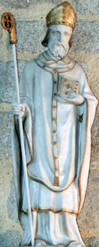 statue of Saint Félix of Nantes; date unknown, sculptor unknown; Chapelle du Crucifix, Croisic, France; photographed on 19 September 2014 by Llann Wé²; swiped from Wikimedia Commons; click for source image