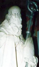 detail of a statue of Saint Fidentius of Padua; photographed on 12 November 2007 by Samsf; swiped from Wikimedia Commons; click for source image
