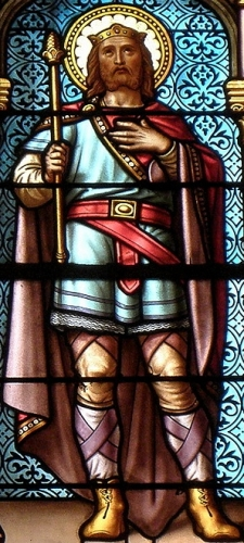 detail of a stained glass window of Saint Judicaël, date and artist unknown; Chapel of Saint Joseph, Saint-Meen-le-Grand, France; photographed on 6 May 2016 by GO69; swiped from Wikimedia Commons