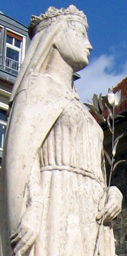 detail of a statue of Saint Kinga of Poland; date and artist unknown; Bupadest, Hungary; photographed in 2011 by Dezidor; swiped from Wikimedia Commons; click for source image