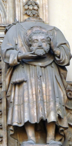 statue of Saint Lambert of Saragossa carrying his severed head; date and artist unnown; Basilica of Santa Engracia Church, Zaragoza, Spain; photographed on 2 January 2010 by Ecelan; swiped from Wikimedia Commons; click for source image