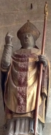 statue of Saint-Mauxe; date and artist unknown; photographed on 5 April 2012 by Giogo; swiped from Wikimedia Commons; click for source image
