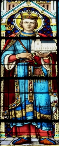 detail of a stained glass window depicting Saint Sigebert III of Austrasia, date and artist unknown; parish church of Saint-Vincent-de-Paul in Clichy, France; phtoographed on 28 March 2011 by GFreihalter; swiped from Wikimedia Commons