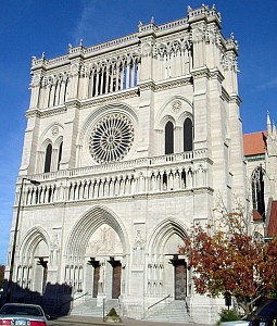 Cathedral Basilica of the Assumption, cathedral of the diocese of Convington, photographed by Steinsky on 30 October 2005; swiped off the Wikipedia web site