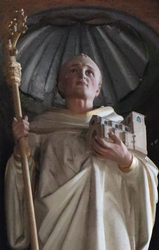 detail of a statue of Saint Lomer, date and artist unknown; Church of Notre-Dame du Mont-Harou, Moutiers-au-Perche, France; photographed by GO69 on 10 July 2018; swiped from Wikimedia Commons